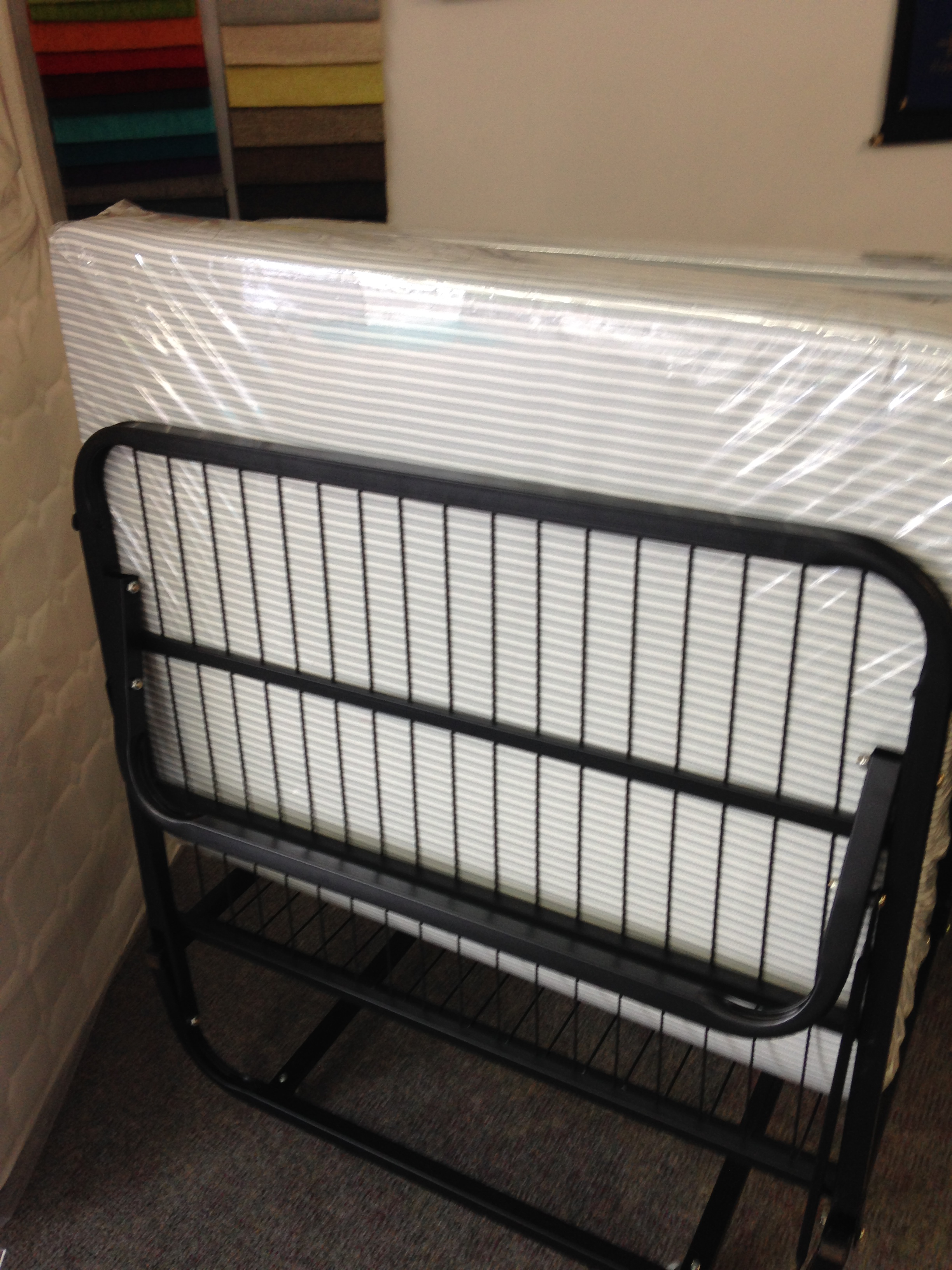 Fold up bed single size cheap mattresses gold coast for Cheap single beds with mattress